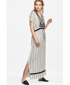 Платье в пол с вышивкой