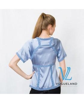 Блуза шелковая с кружевом