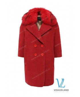 Пальто красное с мехом
