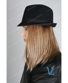 Шляпа черная